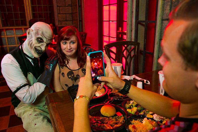 Halloween Horror Nights Scareactor Dining Experience